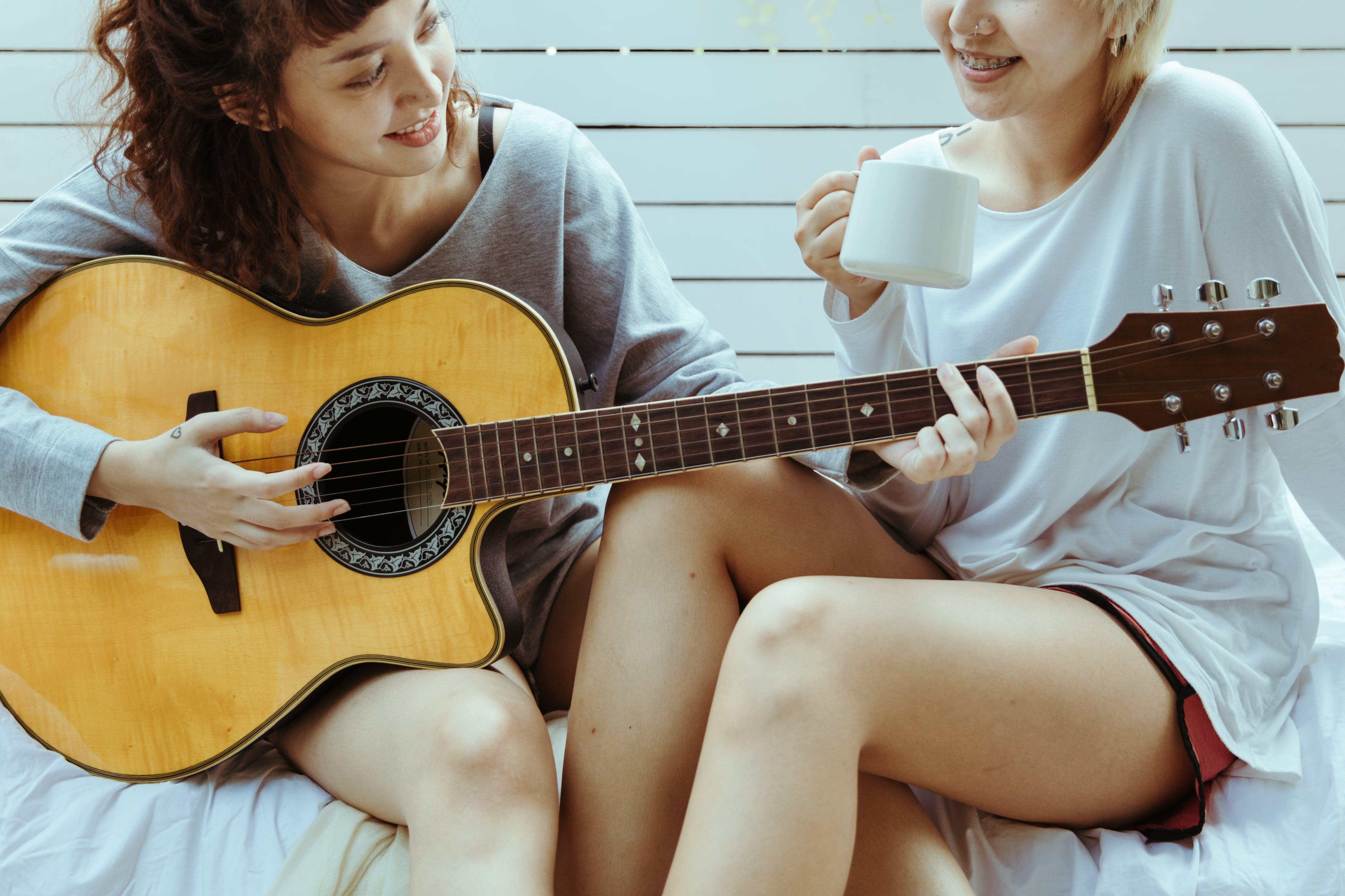 Du contenu accessible et agréable à lire pour progresser vite en guitare